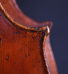French upright bass corner